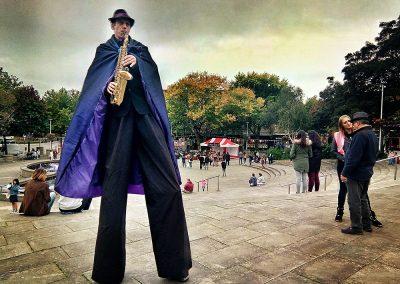 Musical Stilt Character Jimmy Juggle